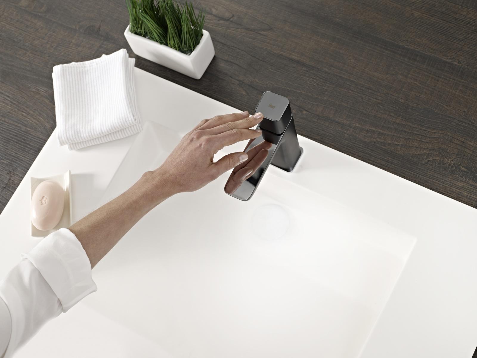teka design armatur schwarz chrom wasserhahn. Black Bedroom Furniture Sets. Home Design Ideas
